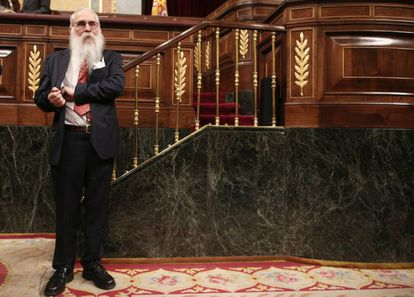 Agustín Javier Zamarrón, of the PSOE, is the oldest member of parliament at age 73.
