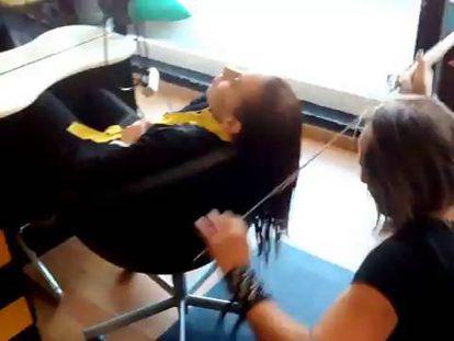 Video: Hairstylist Alberto Olmedo at work.