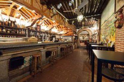 Duque, one of Segovia's most popular bars.