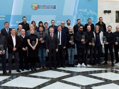 Basque premier Iñigo Urkullu (center, wearing burgundy tie).