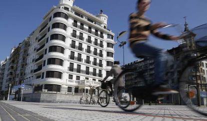 The Paseo de la Concha in San Sebastián is the most expensive street in Spain.