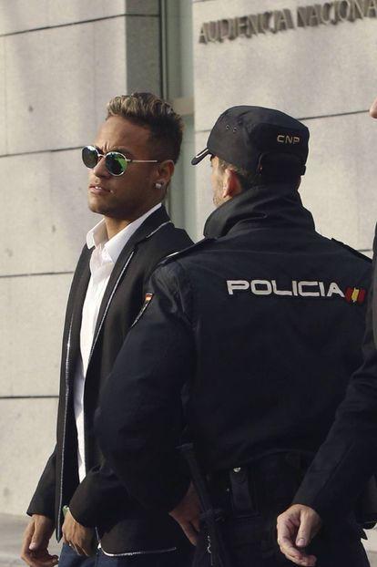 Neymar outside the High Court.