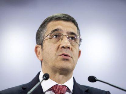 Basque regional leader Patxi López announces early elections on Tuesday.