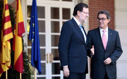 Mariano Rajoy (left) and Artur Mas outside La Moncloa palace on Tuesday.