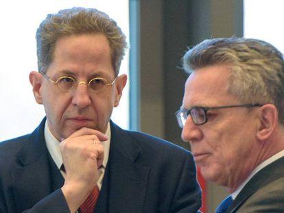 German secret services chief Hans-Georg Maaßen (left) and Interior Minister Thomas de Maizière.