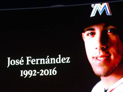 Homage to José Fernández at a Red Sox-Yankees game.