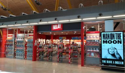 A convenience store at the Madrid-Barajas airport.