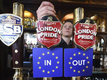 A London pub gives drinkers the in-out choice with their pint.