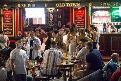 A sidewalk café in Málaga on May 15.