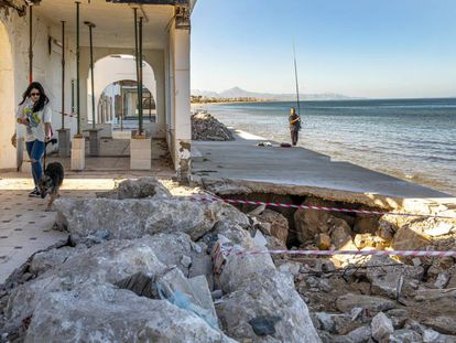 Beach in Dénia (Alicante) damaged by the impact of Storm Gloria.