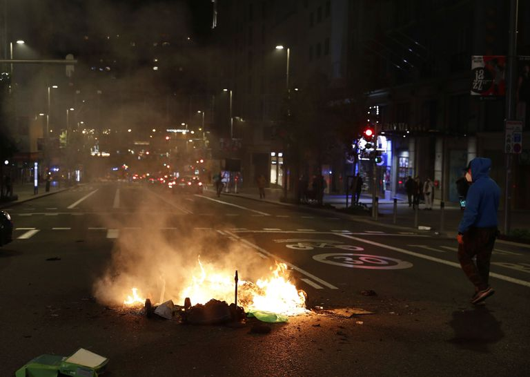 The protests on Madrid's Gran Vía on Saturday night.