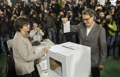 Artur Mas voting on Novermber 9, 2014.