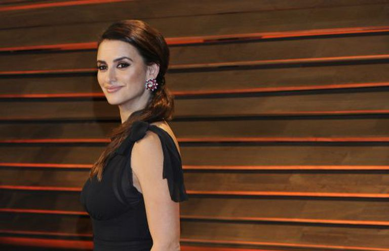 Penélope Cruz attends a post-Oscars party.