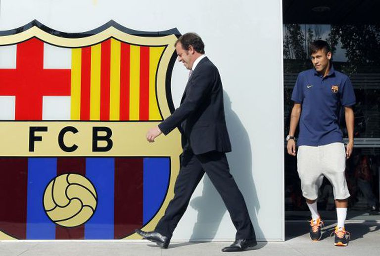 Sandro Rosell and Neymar at the player's presentation.