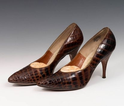 These shoes that once belonged to the actress will have an opening price tag of around €700.