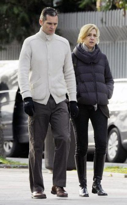 Cristina and Iñaki strolling in 2012.