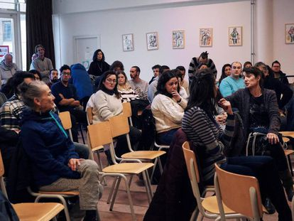 Spaniards attend an informative session on the Dutch labor system in Amsterdam.
