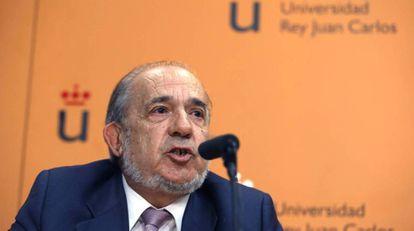 Enrique Alvarez Conde, director of the master's program that Cifuentes enrolled in.