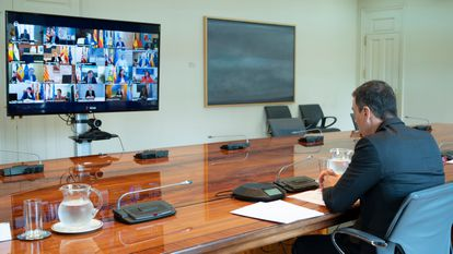 Prime Minister Pedro Sánchez during Sunday's videoconference call with Spain's regional premiers.
