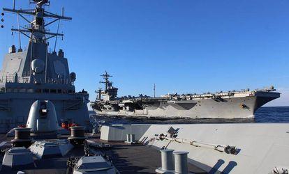 Spanish frigate 'Méndez Núñez' (l) and 'USS Abraham Lincoln.'