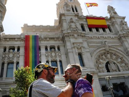 The flags outside Madrid City Hall.