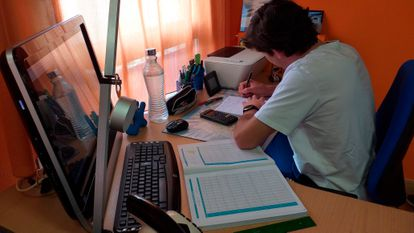 Spanish students have been staying home from school since March.
