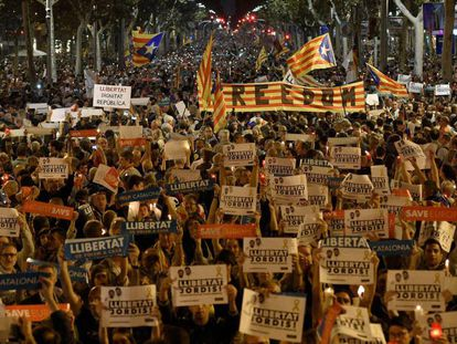 A Barcelona march to protest the imprisonment of ANC and Òmnium leaders.