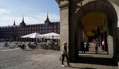 Sidewalk cafés reopened in Plaza Mayor square in Madrid.