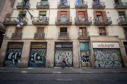 Closed stores in Barcelona.