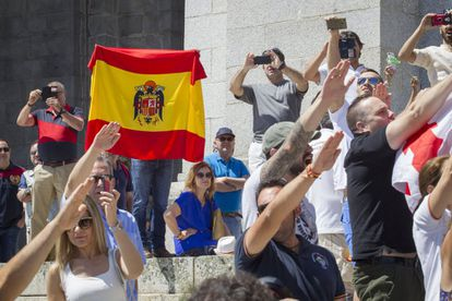 Supporters of the dictator performed the fascist salute outside the basilica, where Franco's tomb is located.