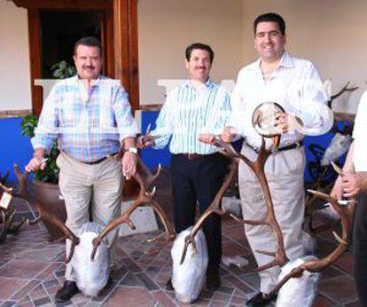 Left to right: Francisco Colado, Julián Jiménez (Grupo Dico) and David Marjaliza at El Descanso lodge.