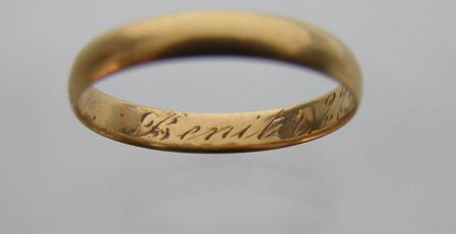 This wedding ring allowed archeologists to identify Tomás Requejo, a deputy mayor of Aranda del Duero who was executed in 1936.