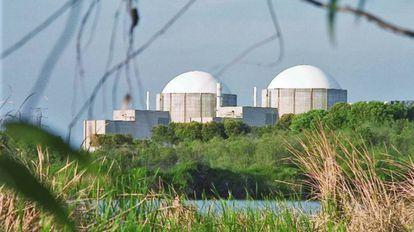 A nuclear power plant in Almaraz (Cáceres).