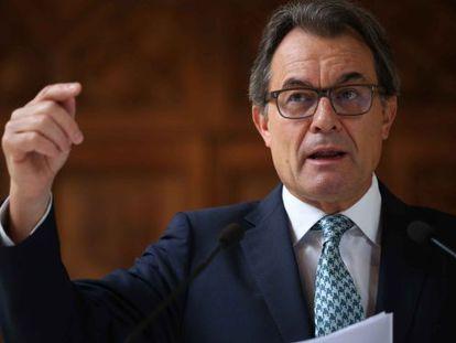 "Catalan premier Artur Mas is criticizing Spain's ""strategy of fear."""