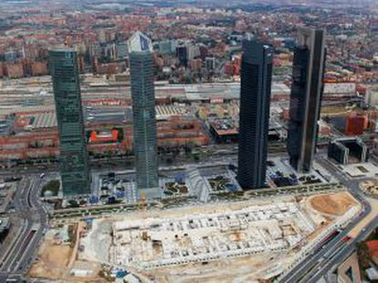 The site of the unbuilt Madrid conference center, in the shadow of the Cuatro Torres.