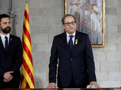 Quim Torra (r) at his inauguration on Thursday.