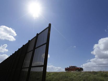 A section of US–Mexico border at Brownsville–Matamoros.