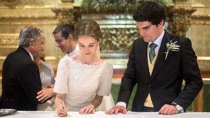 Alejandra Corsini and Alejandro Muñoz on their wedding day.