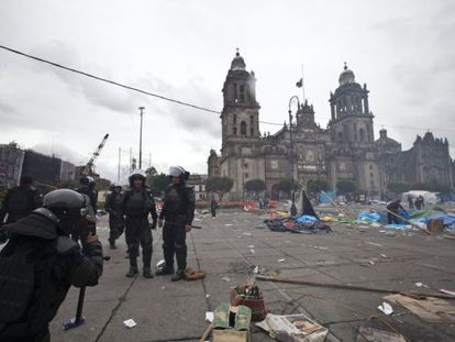 Mexico City's Zócalo square after protesting teachers were evicted on Friday.