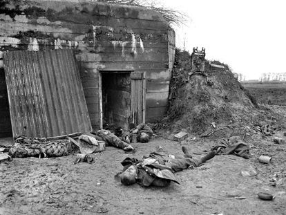 """""""Final German resistance in Hooglede (Belgium),"""" reads the author's note on this negative."""