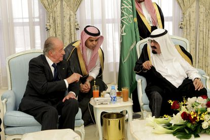 Juan Carlos I during a trip in 2012 with the now-deceased Saudi king, Abdullah bin Abdulaziz.