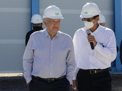 Mexican President Andrés Manuel López Obrador (left) in Baja California in February.