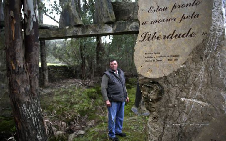 Felipe Porra at the spot where he and a friend found the body of Humberto Delgado and his secretary in 1965.