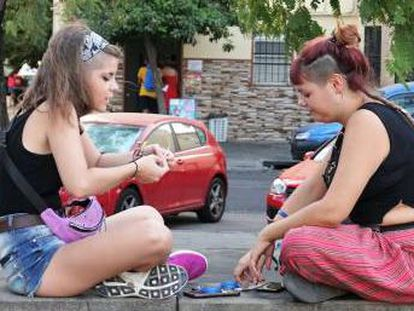 Strikes, violence and drugs combine to threaten the futures of youngsters in Los Pajaritos in Seville
