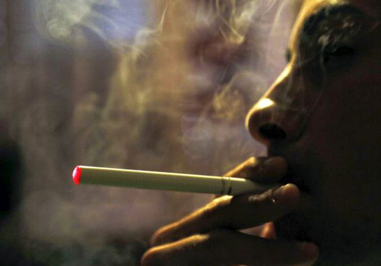 Some campaigners want e-cigarettes to be regulated.