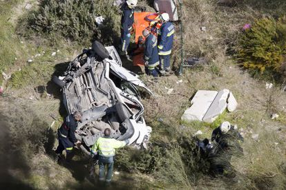 Marta Jorgoso's car, which plunged down a slope due to a barrier that had not been repaired.