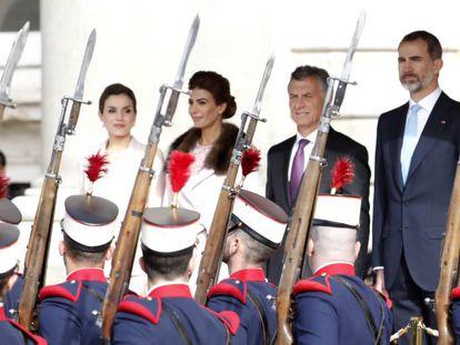 Spain's King Felipe and Queen Letizia with Macri and his wife Juliana Awada.