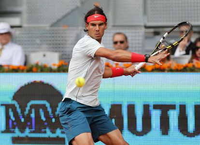 Rafael Nadal returns during his match against Benoît Paire on Wednesday.