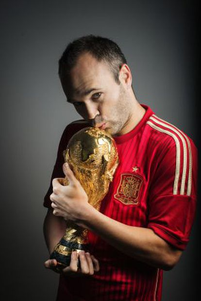 Andrés Iniesta with the World Cup.