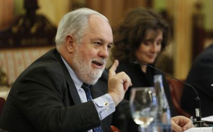 Agriculture Minister Miguel Arias Cañete will lead the PP slate in the European elections.